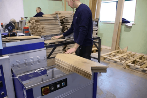factory manufacturing wood flooring